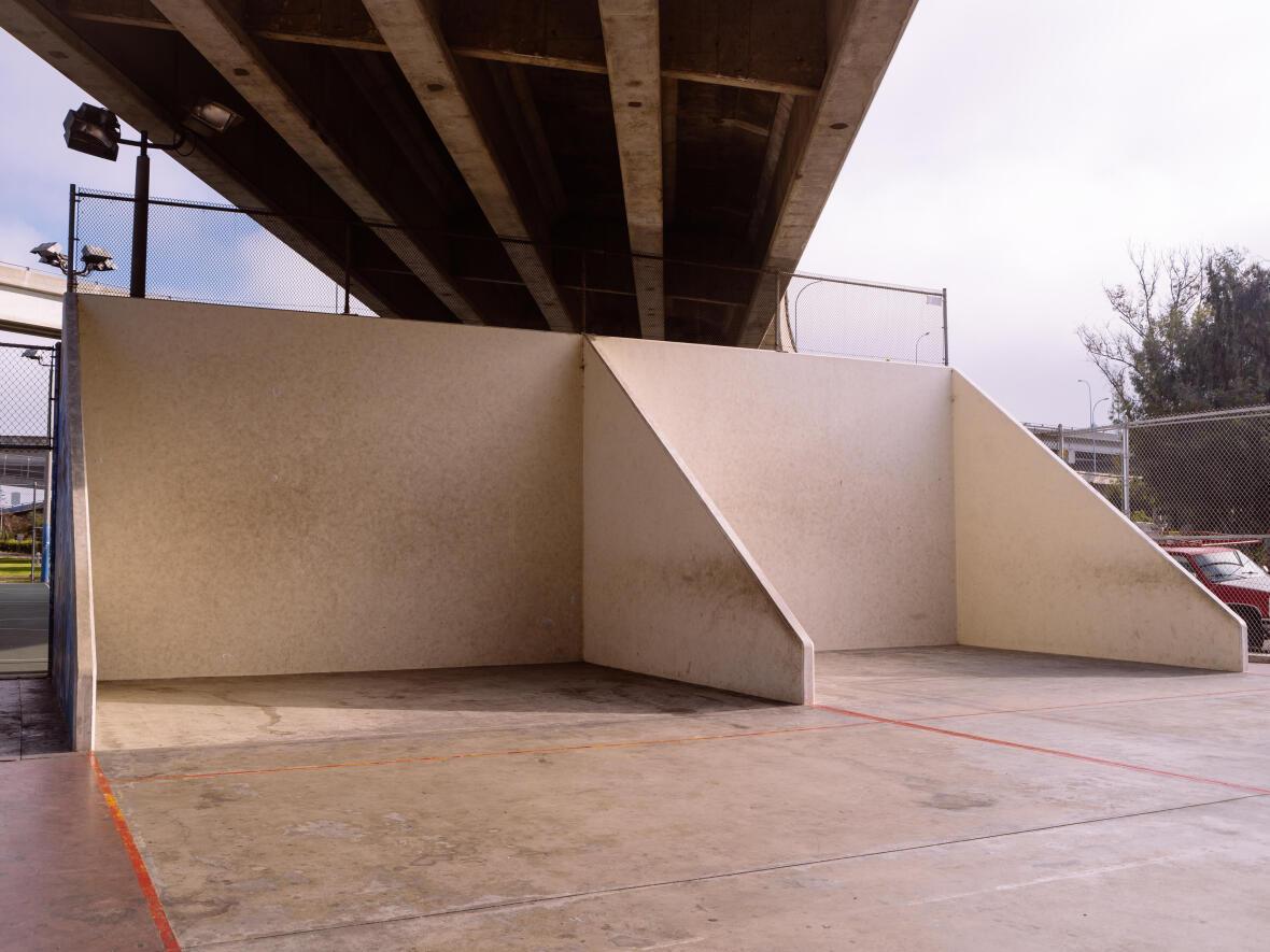 À la découverte du One Wall le jeu de balleà main nue venu d'Amérique