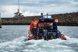 Comment alerter les sauveteurs en mer ?
