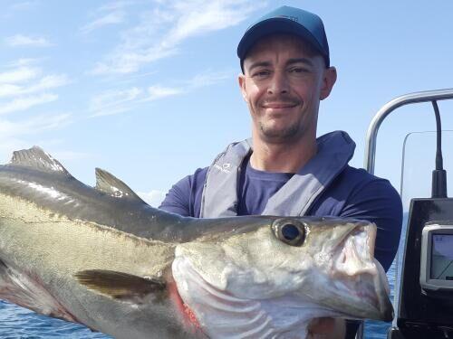 Les bonnes conditions pour pêcher le lieu jaune au leurre souple