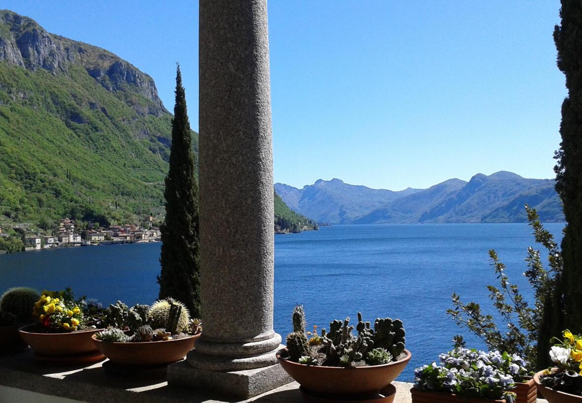 travel to the great lakes of Italy, lake como