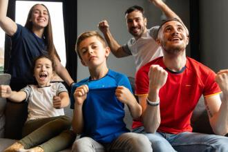 7 tips om fit te blijven tijdens het grootste voetbalevenement van de zomer