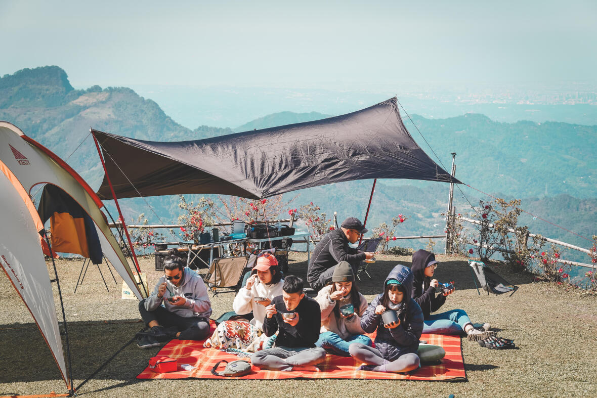 露營 露營推薦景點:梅山頂,坐擁高海拔無敵景緻