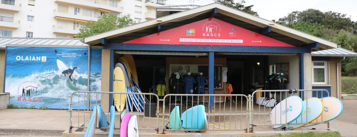 POURQUOI S'INSCRIRE DANS UN CLUB DE SURF ?